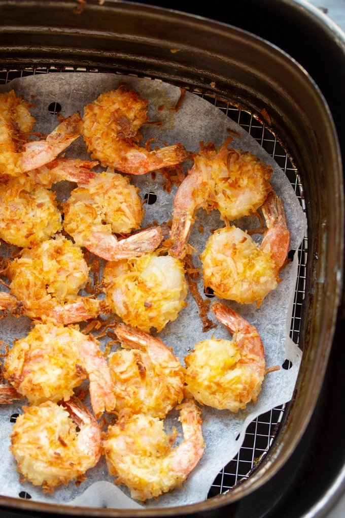 air fryer coconut shrimp appetizer in a basket