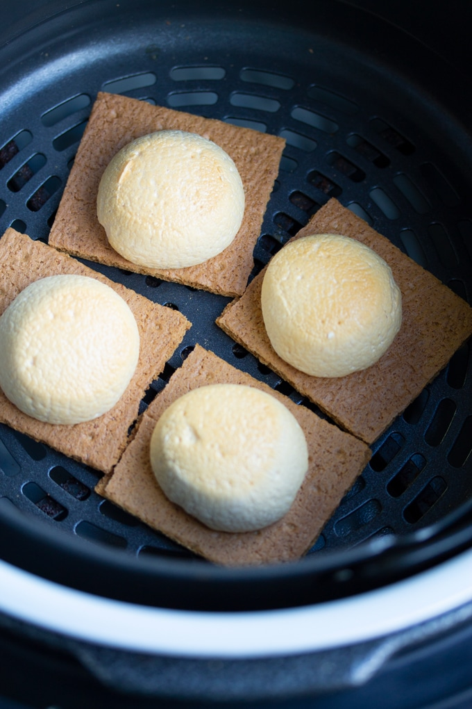 roasted marshmallows on graham cracker in air fryer