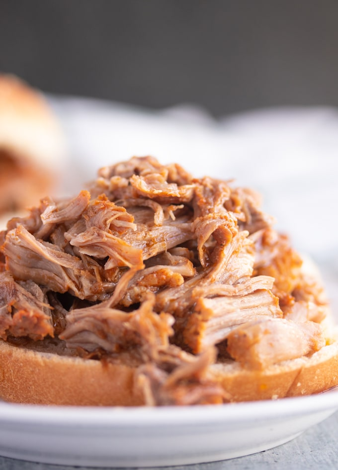 instant pot pulled pork on bread