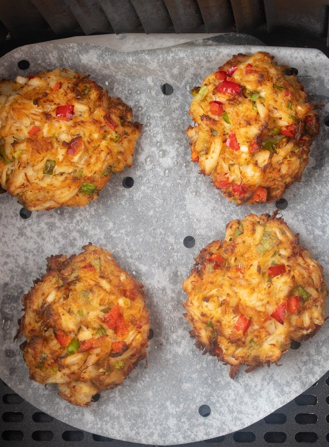 crab cakes in air fryer basket