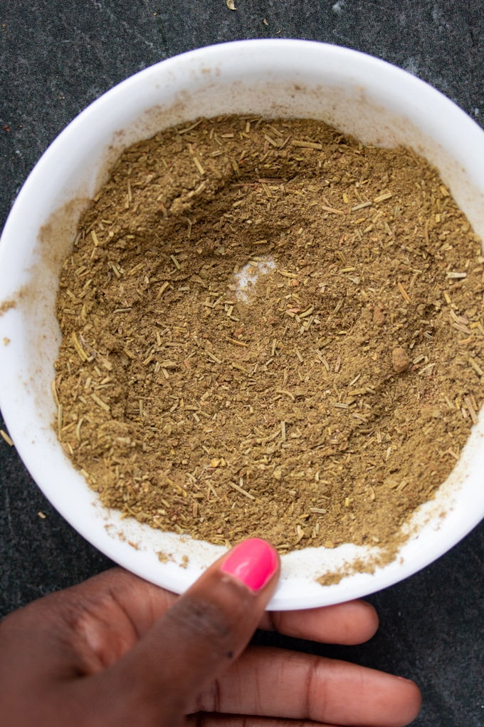 poultry seasoning spices in bowl stirred