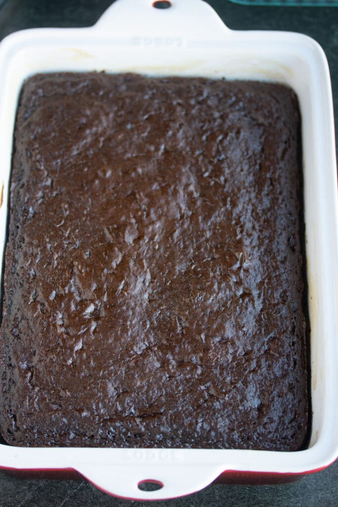 finished cola cake without frosting