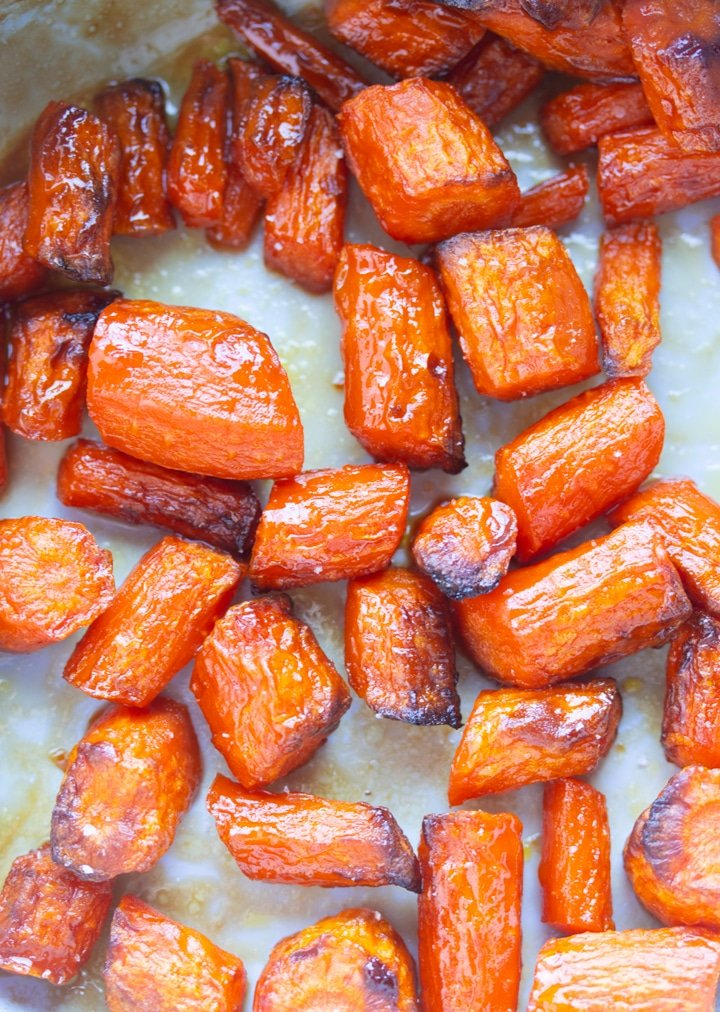 up close photo of roasted carrots