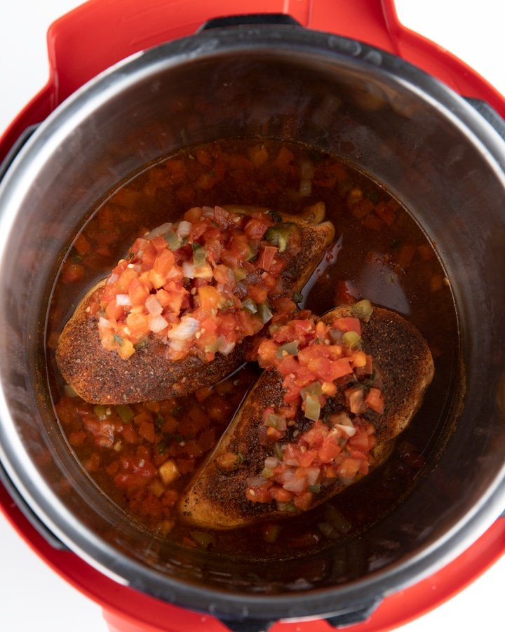 cooked chicken in instant pot qith salsa on top