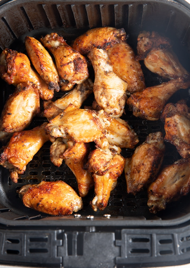 Cooked chicken wings in the air fryer