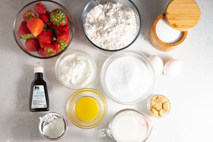 Ingredients to make the strawberry muffins