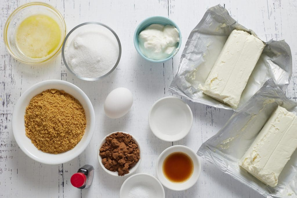 Ingredients to make the cheesecake.