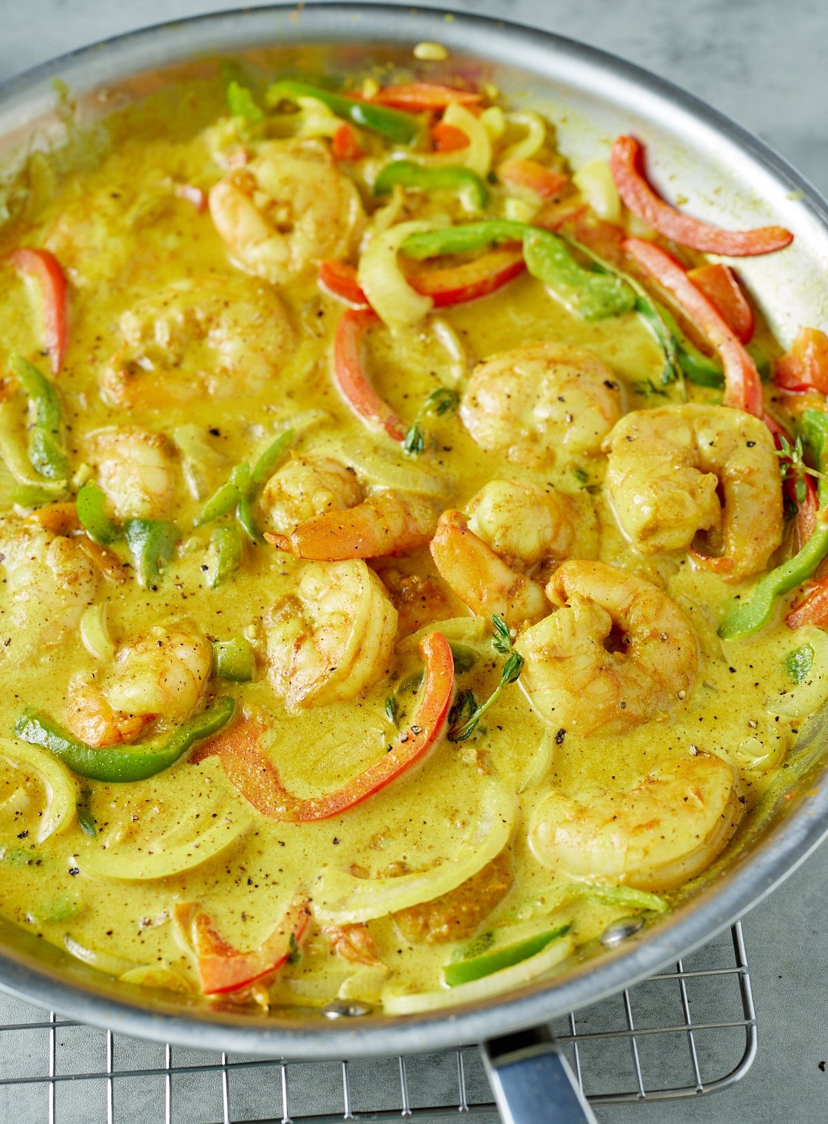 finished jamaican curry shrimp in skillet